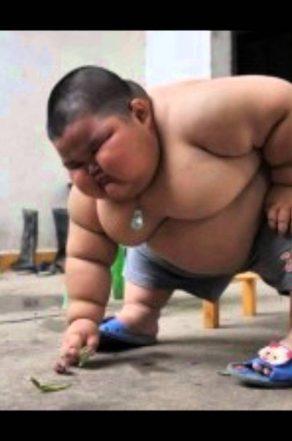 Homme le plus gros du monde : découvrez son identité dans cet article